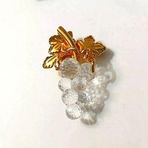 Authentic Swarovski crystals Memories grapes goldtone brooch signed swan mark